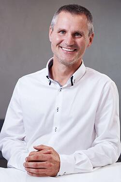Bartosz Staniak - lekarz stomatolog